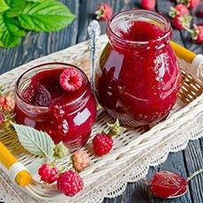 Как приготовить малину, протертую с сахаром, без варки и сохранить ее на зиму