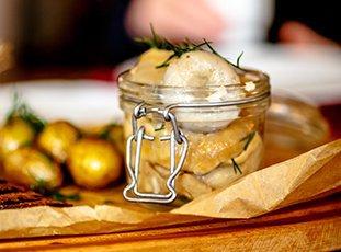 Как засолить белые грузди, чтобы были хрустящими и ароматными: рецепты
