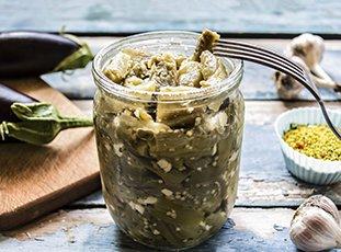 Маринованные баклажаны: интересные рецепты домашних заготовок