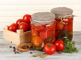 Маринованные помидоры: интересные рецепты домашних заготовок