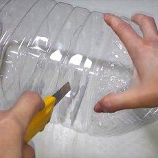 Способы применения 5-литровых пластиковых бутылок на даче