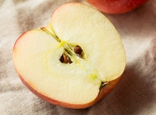 Как вырастить яблоню из семечка в домашних условиях: инструкция, видео