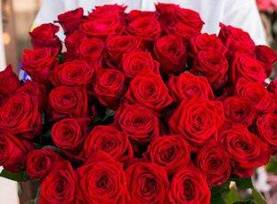 Роза «Ред Наоми»: описание сорта, фото и отзывы